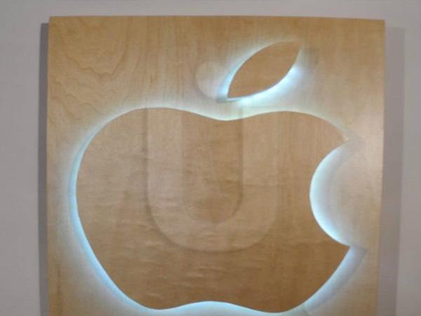 объемный логотип из дерева
